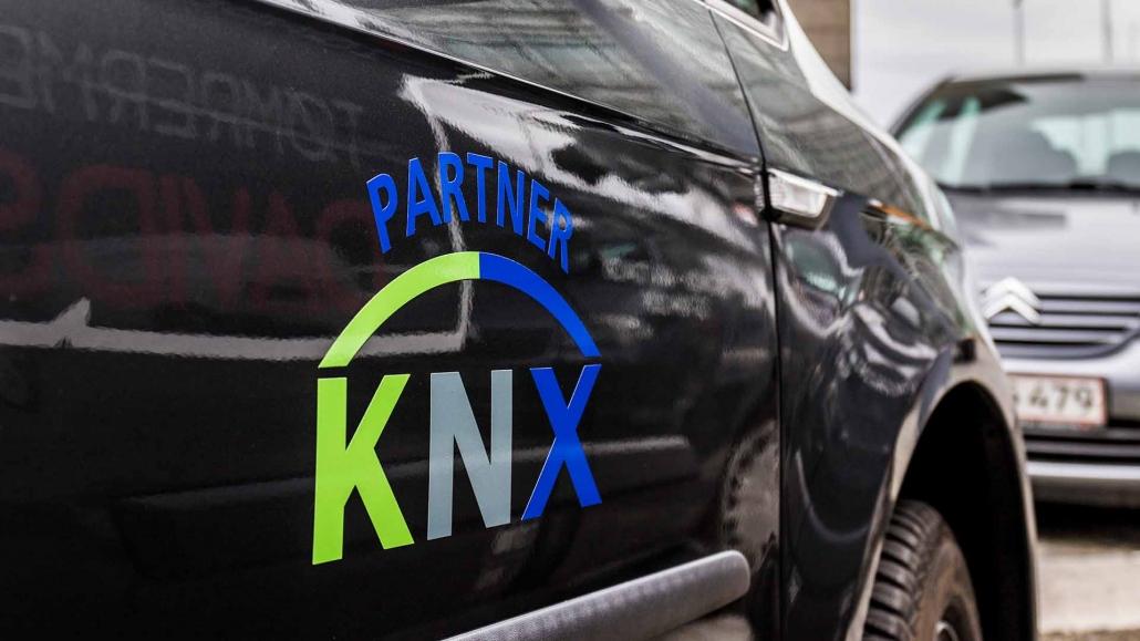 KNX Partner på firmabil