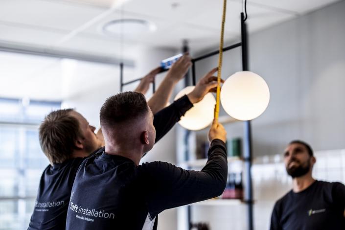 Montering af runde loftlamper